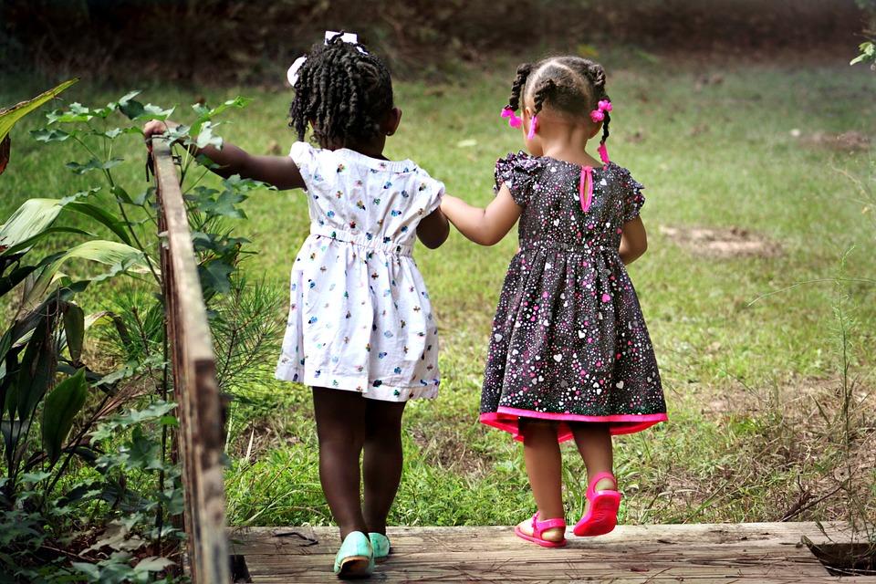 picnoi-little-girls