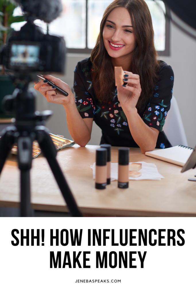 graphic featuring youtuber or influencer in a post about blogger secrets